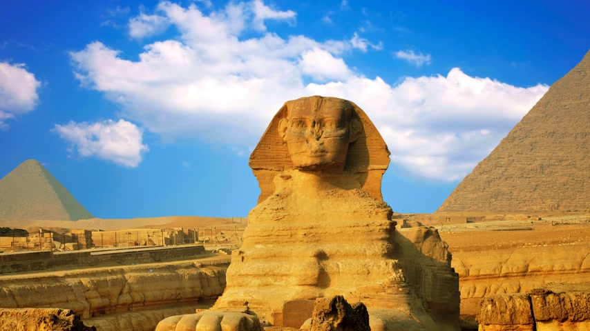 esfinge : Ancient sphinx and pyramids, symbol of Egypt