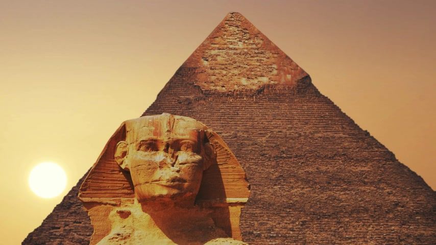 sfenks : Ancient sphinx and pyramids, symbol of Egypt