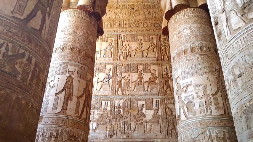 резной : Temple of Hathor. Egypt, Dendera, near the city of Ken.