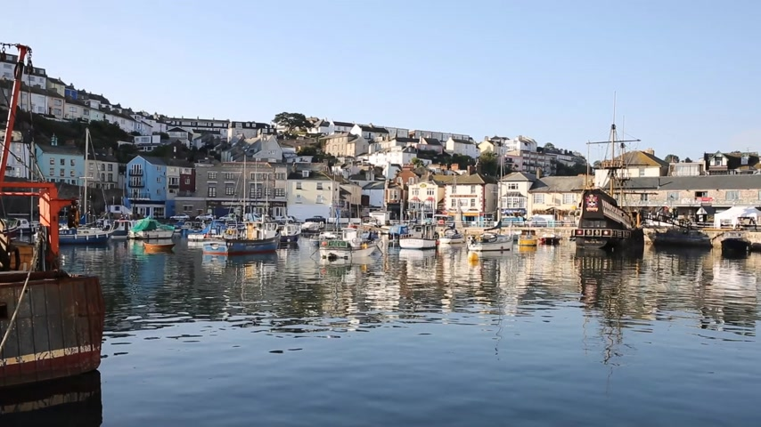 obec : Brixham Devon England English harbour on a blue sky day