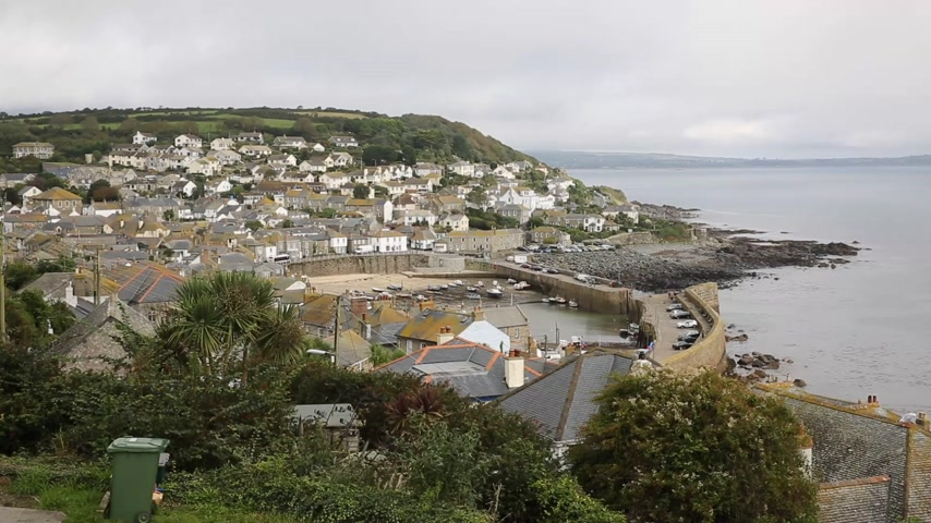 vila : View of Mousehole fishing village Cornwall England UK Vídeos