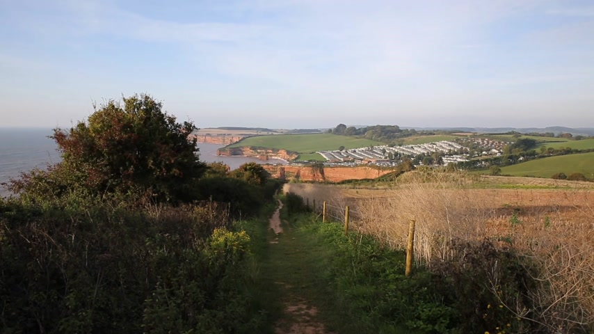 jura : Coast path to Ladram Bay Devon England UK located between Budleigh Salterton and Sidmouth and on the Jurassic Coast Stock mozgókép