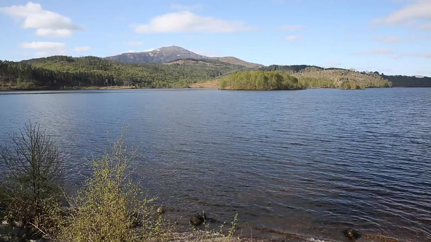 augustus : Scottish Loch Garry Scotland UK beautiful lake west of Invergarry on the A87 south of Fort Augustus and north of Fort William Stock Footage