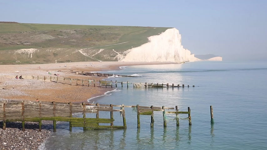 Seven Sisters acantilados de tiza East Sussex uk entre Seaford y Eastbourne visto desde la playa de Cuckmere haven
