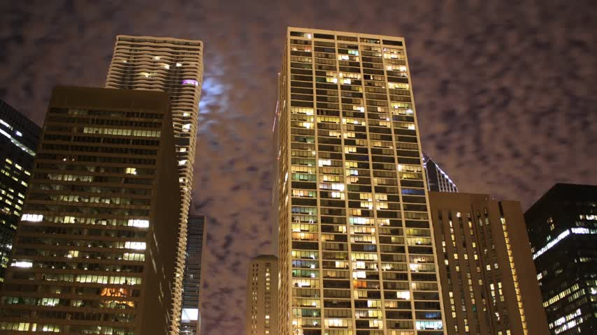 lapso de tempo : Time lapse Chicago Skyline at night in moon light
