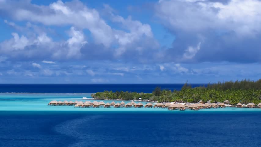 Острова : Time Lapse Clouds over Bora Bora Lagoon, French Polynesia