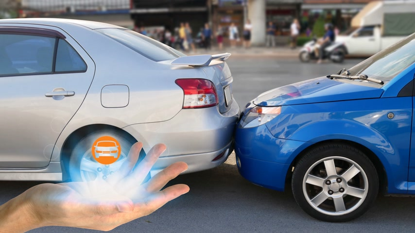 Hand holding with car claim icons over the Network connection on car crash background, car accident for car insurance claim concept Vídeos