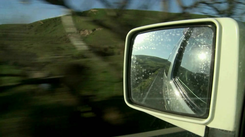 droga : Wairapa Countryside,New Zealand. View of scenic countryside, whilst driving.