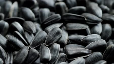 peeled grains : Roasted sunflower seeds in shell