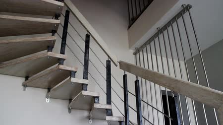 escada : The interior of stylish contemporary house. The modern staircase.