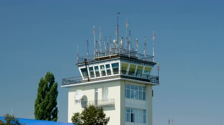 felülnézet : Exterior view of air traffic control tower. 4K