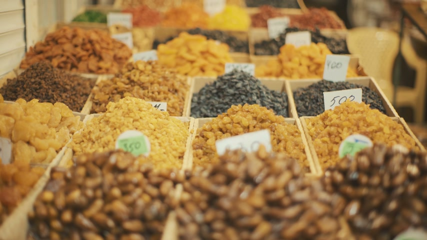 kurutulmuş : Mix of Different Dried Fruits on Eastern Market Stok Video
