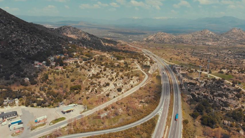 kikövezett : Flying over interchange highway