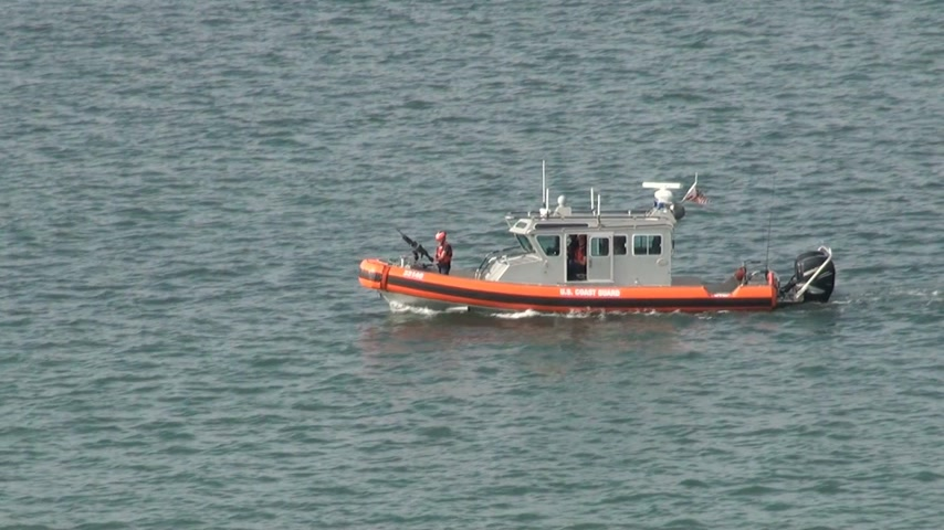 terrorismo : US Coast Guard Port Security Patrol Boat  High Definition Video  Editorial