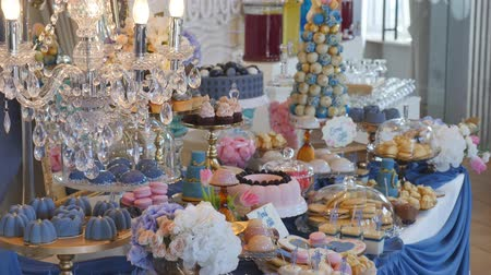doces : Holiday sweet table or candy bar