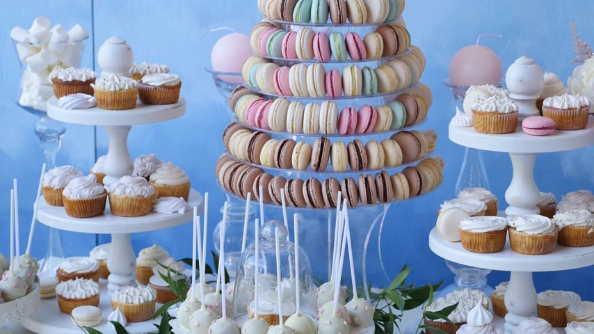 wedding cake : Delicious wedding reception candy bar dessert table
