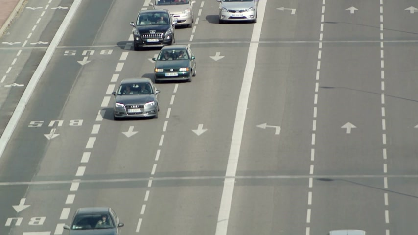 ue : LYON, FRANCE - NOVEMBER 10, 2014: French cars traveling on the french intercity highway Stock Footage