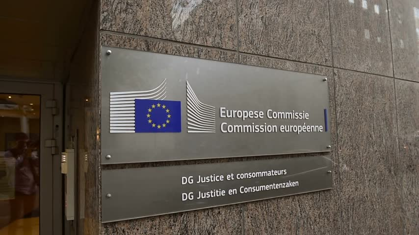 funcionários : BRUSSELS, BELGIUM - CIRCA 2015: Panning to Justice and Consumers building of the European Commission in Brussels, Belgium Stock Footage