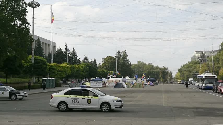 igor : CHISINAU, MOLDOVA - SEP 2015 Protesters camp outside government of Moldova in the Main Square of the National Assembly They seek the dismissal of officials after the 1 bn euro went missing from banks