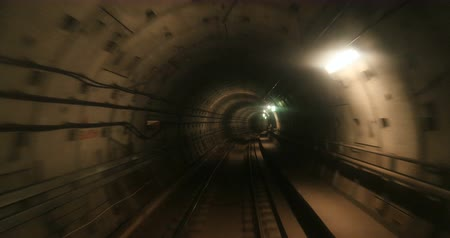 метро : Subway tunnel with all tracks blurred - concept of running away from, hiding, escaping with high speed Стоковые видеозаписи