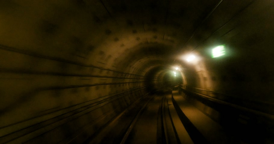метро : Getting out from subway tunnel in yellow color - concept of finish, dedication and hard work Стоковые видеозаписи