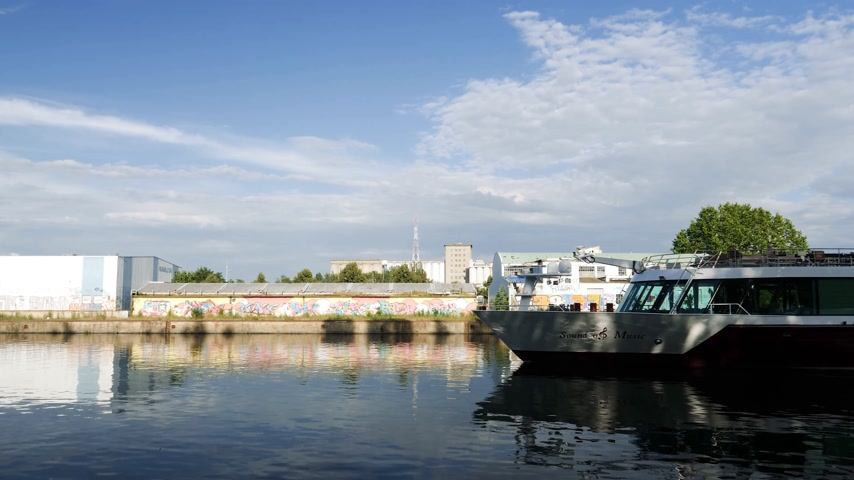 mês : STRASBOURG, FRANCE - CIRCA 2017: River cruising boat in Strasbourg on warm summer day - MS Sound of Music is a deluxe river cruise vessel chartered exclusively by Gate 1 Travel