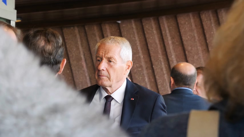 coe : STRASBOURG, FRANCE - OCT 31, 2017: Thorbjorn Jagland Secretary General of the Council of Europe waiting for the French President Emmanuel Macron at Council of Europe Stock Footage