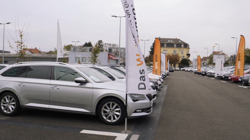 auto parking : STRASBOURG, FRANCE - CIRCA 2017: Rows of new and used cars of Skoda Brand by Volkswagen on sale at car dealership with diverse models from Superb to Octavia and Fabia - Das Welt Auto