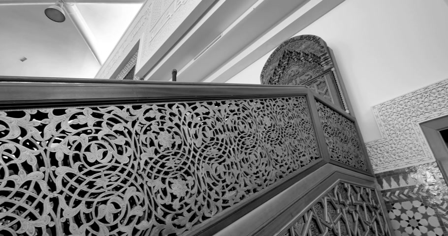 tilt : Black and white tilt-up to the majestic haram in Strasbourg Great Mosque or Grande Mosquee de Strasbourg beautiful carved in wood pattern