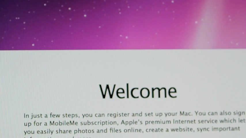 beállítás : CALIFORNIA, UNITED STATES - CIRCA 2014: Apple Computers new desktop computer iMac with selection of the country and region during setup