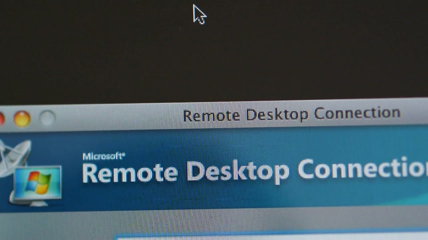 поставщик : CALIFORNIA, UNITED STATES - CIRCA 2014: Apple Computers new desktop computer iMac with panning to Microsoft Remote Desktop Connection for MAc software Стоковые видеозаписи