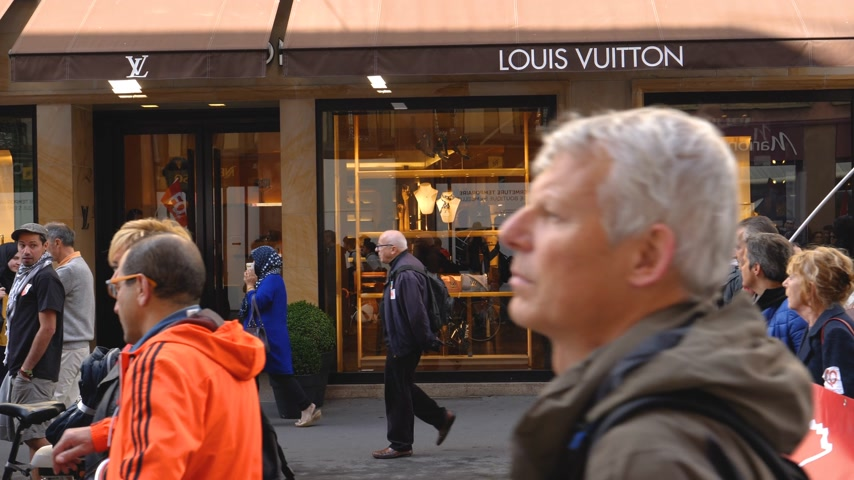 nationwide protest : Strasbourg, France - Sep 12, 2017: Protesters in front of Louis Vuitton fashion store at political march during a French Nationwide day of protest against the labor reform proposed by Macron Government Stock Footage