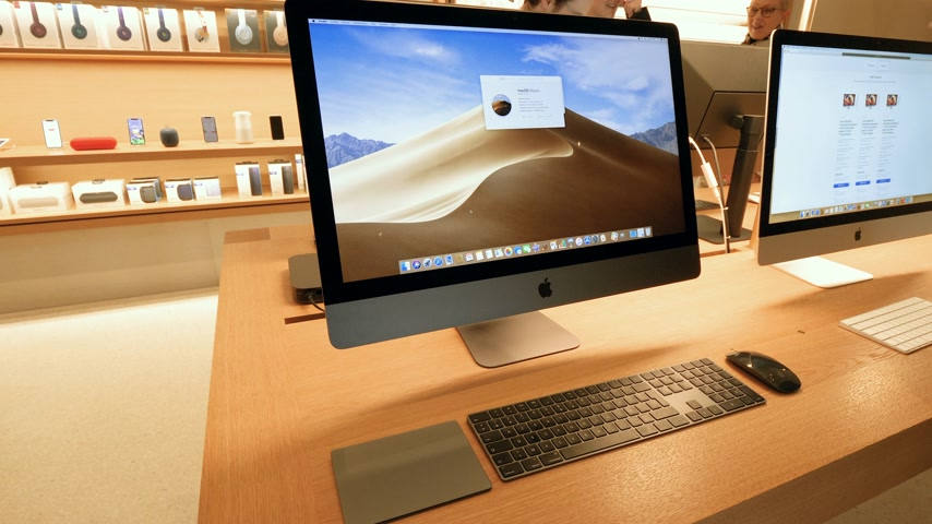 munkaállomás : Paris, France - Circa 2019: Apple iMac Pro displayed inside the new Apple Store Champs-Elysees largest French store located in the heart of the capital - French flagship store building