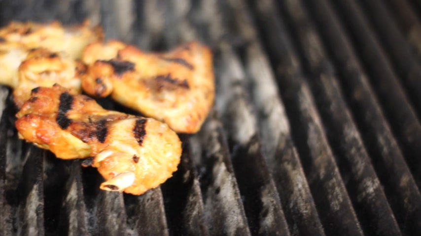 barbecue chicken : Tasty chicken on the grill