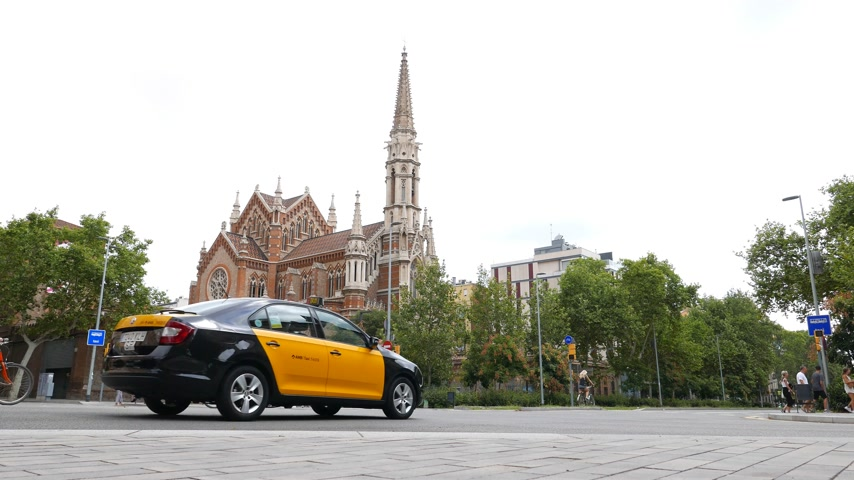 Catholic church bell ringing sound, Barcelona road traffic