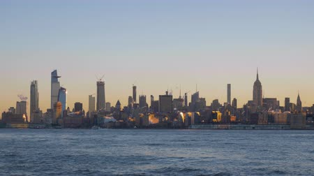 imparatorluk : Manhattan Skyline and Hudson River in the Morning. New York City, United States of America. Wide Shot
