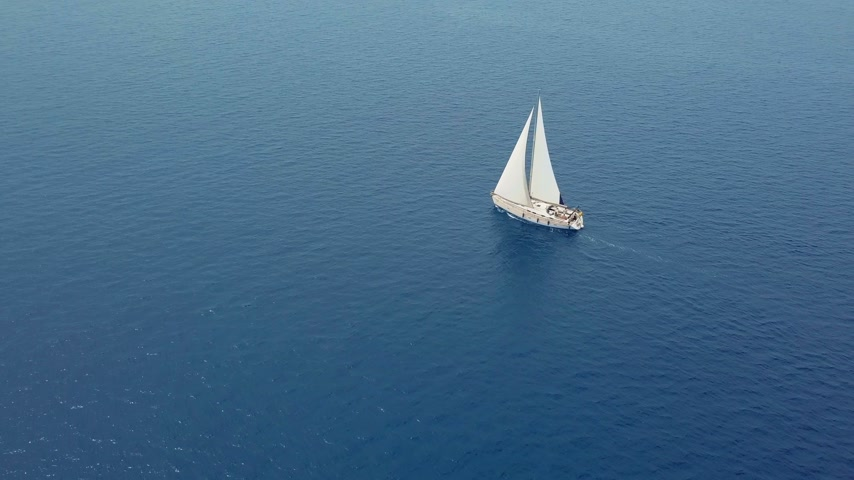 zametání : Yacht sailing on opened sea. Sailing boat. Yacht from drone. Yachting video. Yacht from above. Sailboat from drone. Sailing video. Yachting at windy day. Yacht. Sailboat. Dostupné videozáznamy