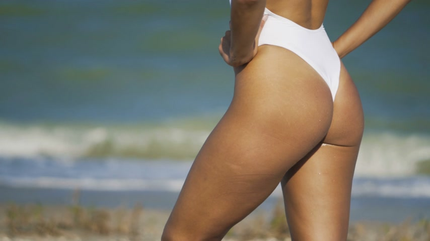feliz : Beautiful ass in swimsuit