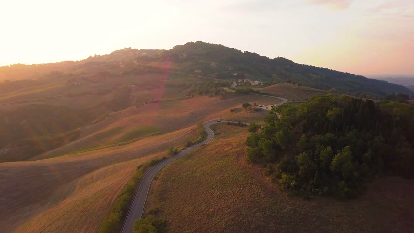 dumanlı sis : Aerial footage, gorgeous vineyards on sunset in Tuscany, Italy, 4K