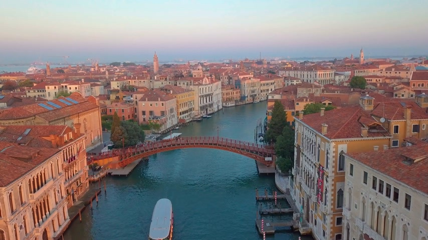 carnaval de venise : Aerial view of Venice. Scenic video taken at sunrise. Vidéos Libres De Droits
