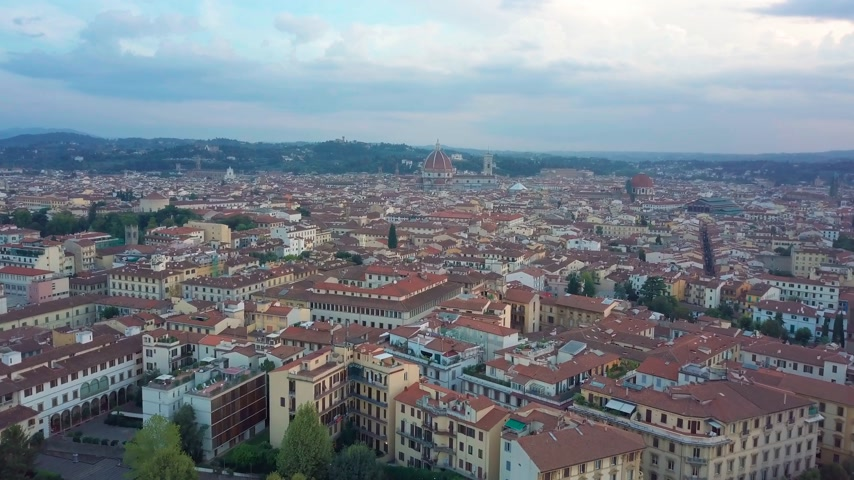 toskánsko : Aerial drone footage video - panoramic view of Florence Dostupné videozáznamy