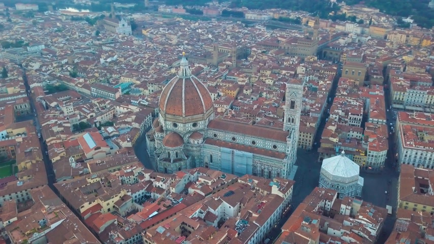 piazza del duomo : Aerial view on the city and Cathedral of Santa Maria del Fiore. Florence, Tuscany, Italy Stock Footage