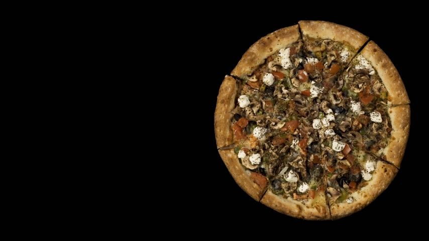 cominho : Rotating pizza with smoked sausage and olives on a black background. Top view center orientation Vídeos