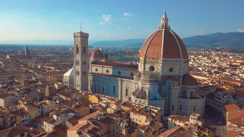 toscana : Aerial panoramic view of cityscape in Florence, Italy. Cathedral di Santa Maria del Fiore. Stock Footage