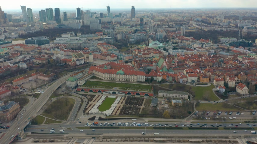 rua : Aerial view of Warsaw skyline with Old town