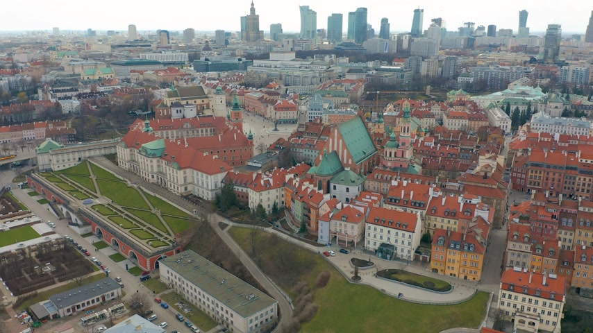warszawa : Aerial view of Warsaw skyline with Old town