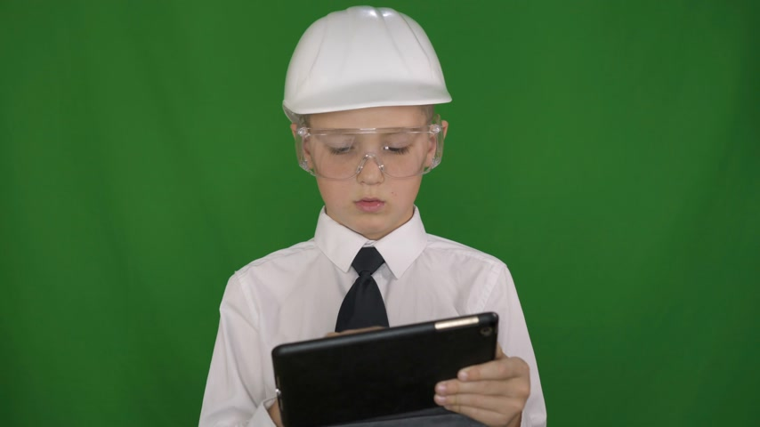 ищу : Portrait of young Worker Man in the white helmet. Green Screen Background
