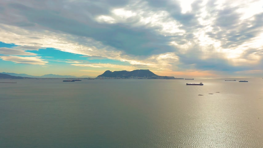Андалусия : View on cargo port and bay of Gibraltar bay of Algeciras. Gibraltar, United Kingdom, Europe.