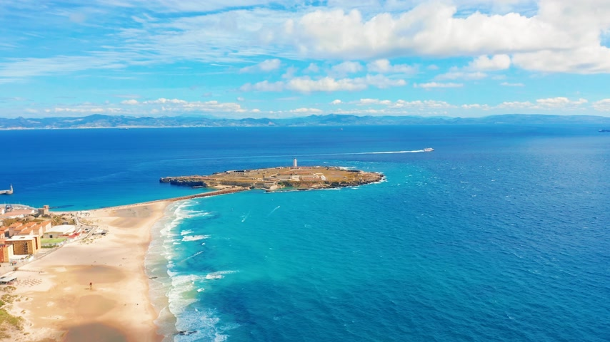 Андалусия : Aerial scenic view of Tarifa city Spain Mediterranean Sea and Ocean Atlantic.