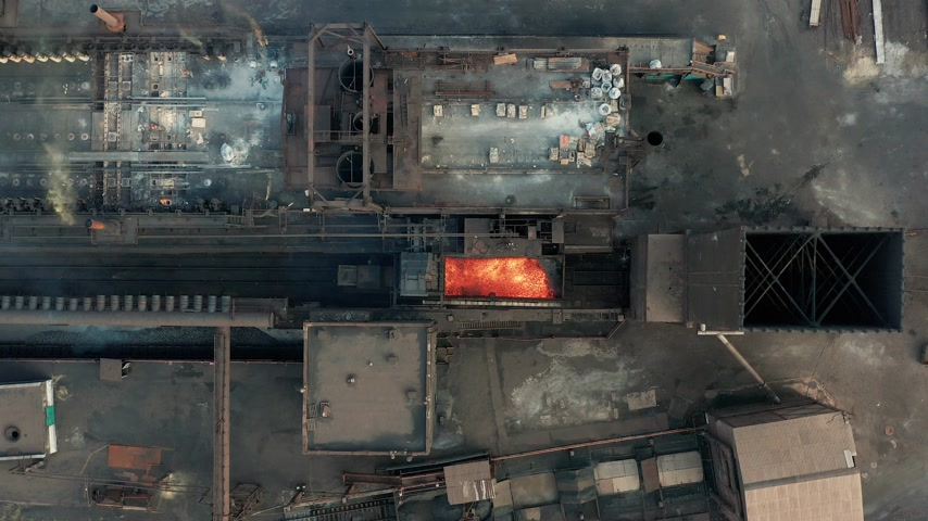 kola : Aerial view. The issuance of hot coke. Metallurgical plant. Stok Video